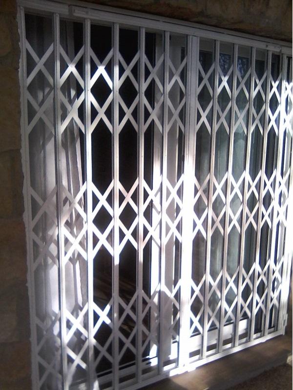 Rejas de ballesta para puertas y ventanas rejas y ballestas for Fabrica de puertas y ventanas en la plata