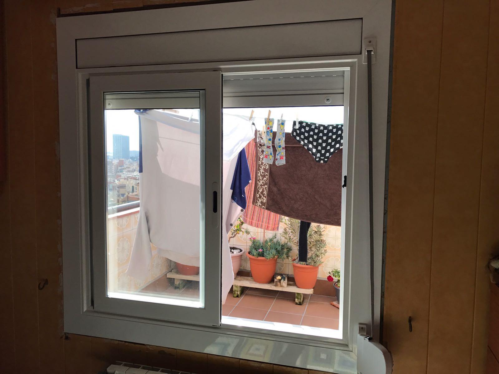 Instalaci n ventana de aluminio en el masnou julio 2017 for Ventanas de aluminio cordoba