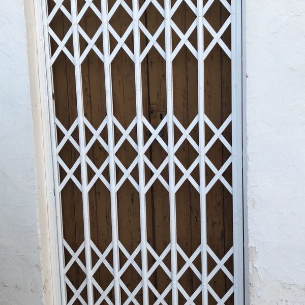 reja ballesta puerta 2 zaragoza