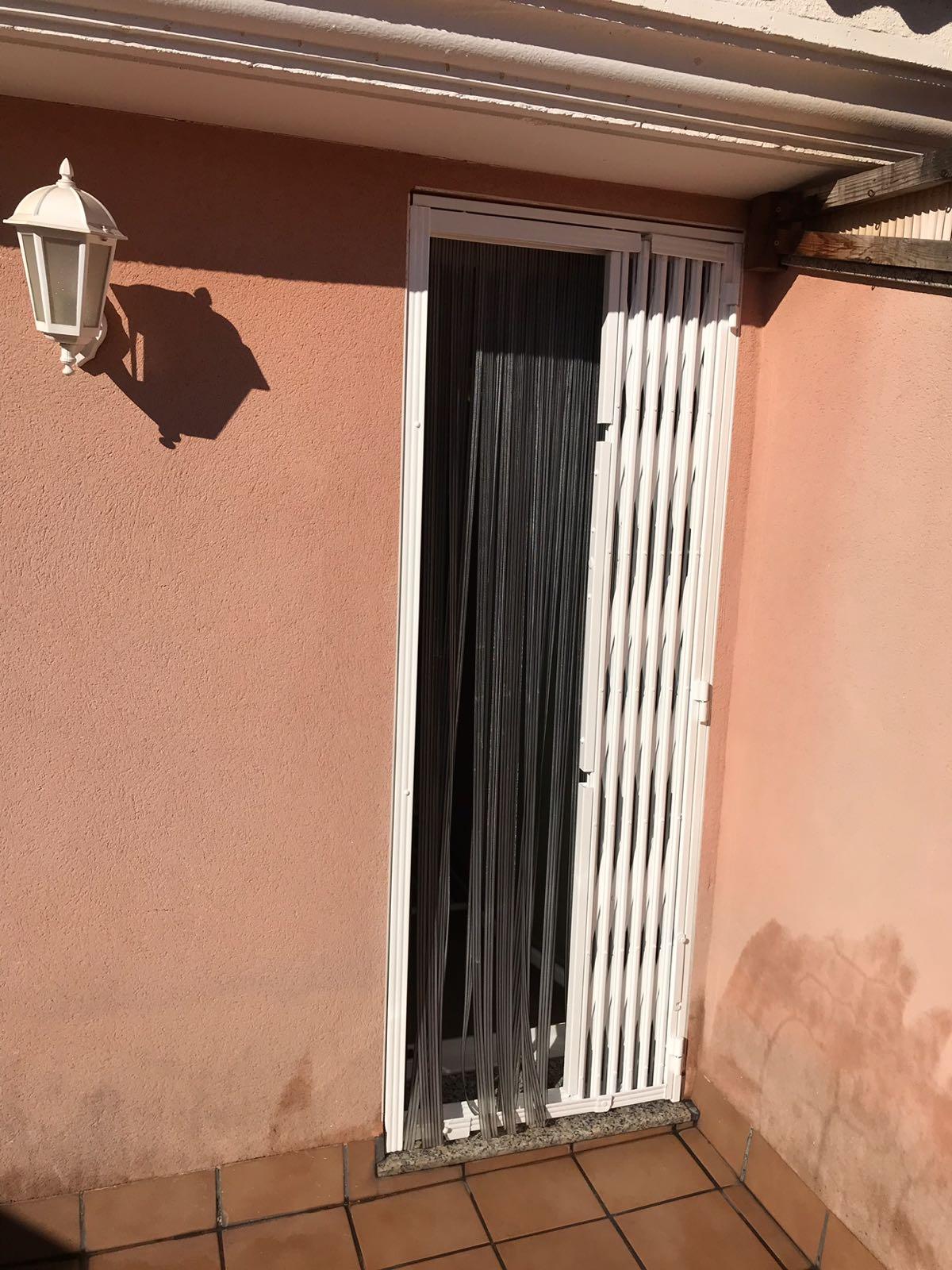 Rejas de ballesta puerta terraza rejas y ballestas - Puerta terraza ...