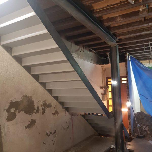 escalera de hierro, imprimada 3
